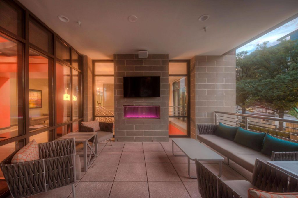The Overlook at Residence Inn Raleigh Downtown Patio